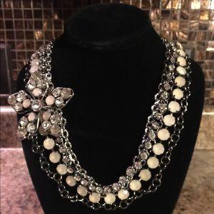 🌹BOGO🌹silver tone necklace side flower